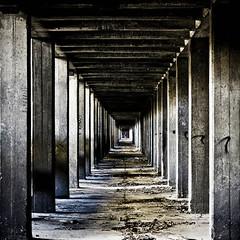 Cubismo (Funky64 (www.lucarossato.com)) Tags: old abandoned factory arte decay cemento decayed travi alluminio cubismo parallele fabbrica abbandono sottoterra filare astrattismo rette infilata funky64 lucarosato