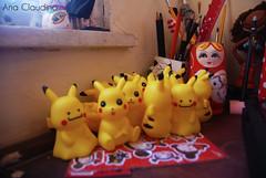 Ataque dos clones (Ana Claudino fotografia) Tags: pokemon pikachu brinquedo