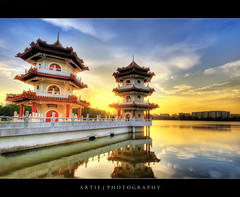 Twin Pagodas in Chinese Garden, Singapore (II) :: HDR (Artie | Photography :: I'm a lazy boy :)) Tags: china sunset west building architecture photoshop canon garden pagoda ancient singapore cs2 10 tripod chinese wideangle structure 20mm chinesegarden hdr artie 3xp sigmalens photomatix tonemapping tonemap 400d rebelxti singaporechinesegarden