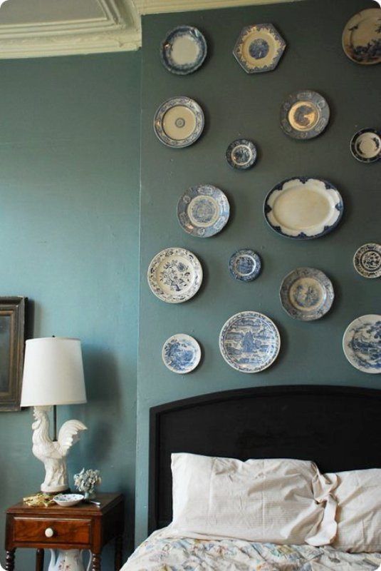 DIY vintage plate wall display
