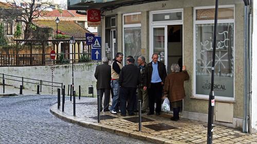Przed kawiarnią