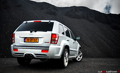 Silver SRT8.. (Luuk van Kaathoven) Tags: silver nikon jeep flash rear grand cherokee van srt8 luuk d80 luukvankaathovennl kaathoven