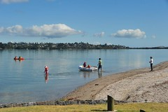 Boating at Farm Cove Reserve (D70) Tags: new newzealand river for perfect harbour cove walk farm reserve calm auckland zealand inflatable nz boating waters tidal vessels tamaki
