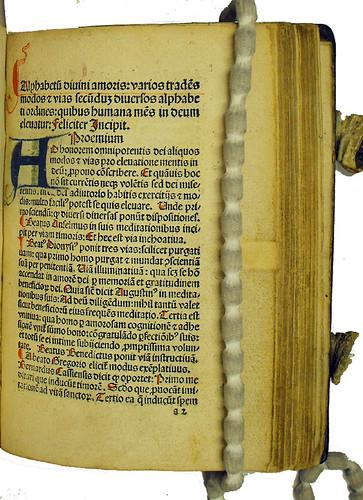 Manuscript initial in Alphabetum divini amoris