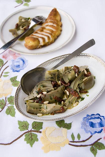 Carciofi con Pomodorini e Pinoli