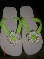 Verde e rosa (primarques2009) Tags: havaianas fuxico sandalia chinelo tecido personalizada customizada