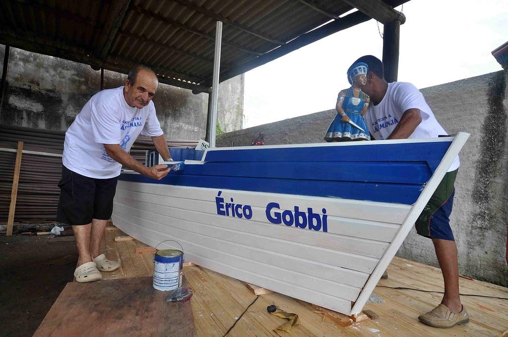 Barco que carregou Iemanjá levou o nome do escultor. Crédito: Eduardo Beleske