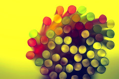 straws (!.Keesssss.!) Tags: macro colors straws