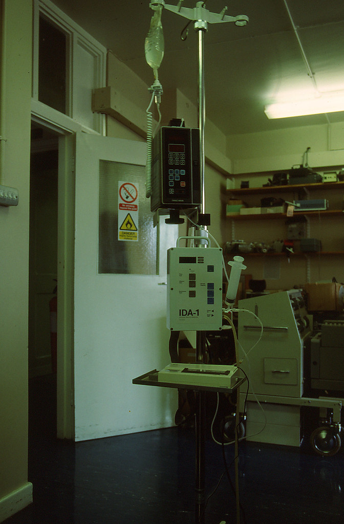 Infusion-pump tester 1990