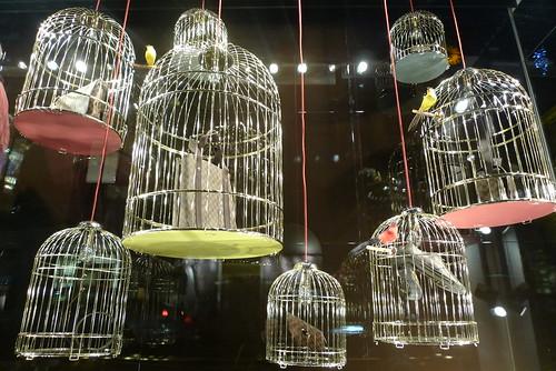 Cages de luxe chez Louis Vuitton — Le Journal des Vitrines