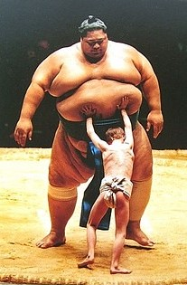 Sumo Wreslter VS Kid - Who is winning? / Sofia Takami