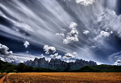 Impressive sky on Montserrat (Jose Luis Mieza Photography) Tags: spain catalonia catalunya catalua benquerencia reinante jlmieza menakjubkan reinanteelpintordefuego joseluismieza
