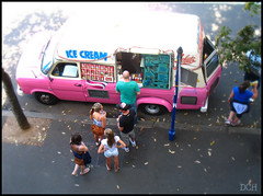 They All Scream For Ice Cream (suavehouse113) Tags: pink sydney australia newsouthwales lookingdown therocks icecreamtruck philscamera focalsoften dolookdown mobilefoodvendor