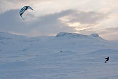 Haukeli (TrulsHE) Tags: winter sunset sun white snow kite cold sol norway norge vinter cloudy cult 105 kiting dnt sn solnedgang kiteskiing haukeli snowkiting naish kaldt hvitt overskyet fjellstue haukeliseter turistforeningen