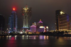 Night view of Macau (Rosanna Leung) Tags: lighting sea reflection building hotel nightview macau wynn     boc   hotellisboa grandlisboa
