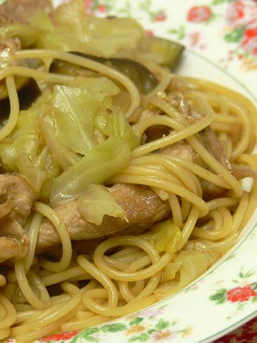 豚肉とキャベツのソーススパゲティ