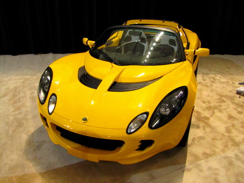 "Louts Elise 2011 - """"Performance through lightweight"" says the manufacturer"