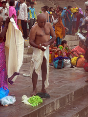 Removing Trunks 3 (amiableguyforyou) Tags: india men up river underwear varanasi bathing dhoti oldmen ganges banaras benaras suriya uttarpradesh ritualbath hindus panche bathingghats ritualbathing langoti dhotar langota