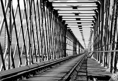 Focus (Nwardez) Tags: bw abstract france metal decay perspectives rail ruine lignes linear abstrait geomtrie