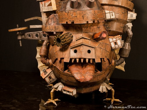 Howl's Moving Castle papercraft - Front view