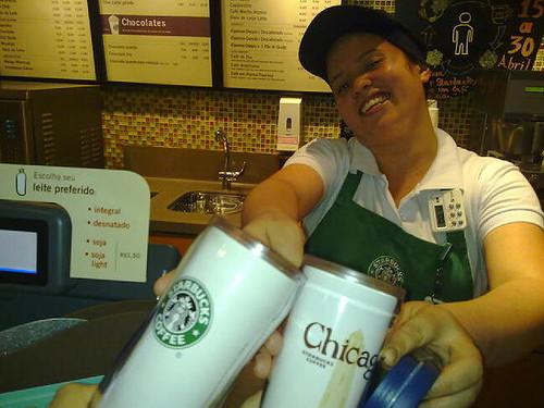Marcia entrega os cafés