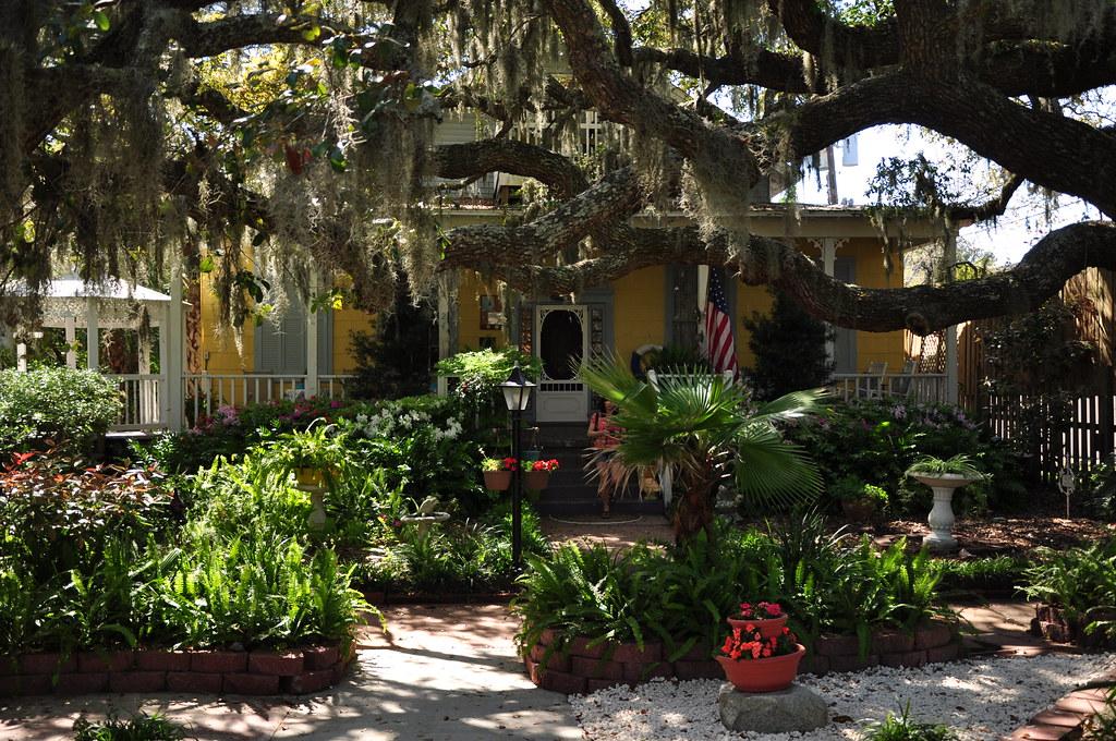 Front of Tybee Island Inn