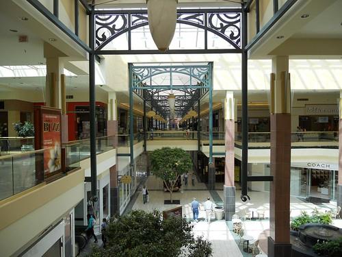 Buckland Hills Mall