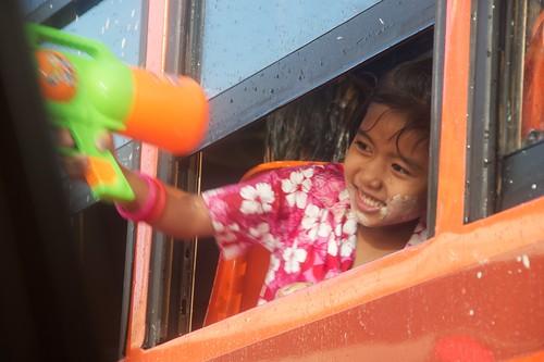 小妹妹在公車裡好勇猛