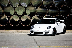GT3. (Denniske) Tags: white canon photography eos is photoshoot 10 04 automotive porsche april l mk2 17 shooting mm dennis blanche wit weiss bianco 70200 f28 ef 17th 2010 mkii gt3 997 sinttruiden fotoshoot noten lseries llens brustem 40d denniske