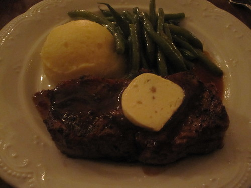 Strip loin steak with cheesy potatoes and perfect green beans