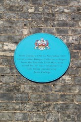 Photo of Basque refugee children blue plaque