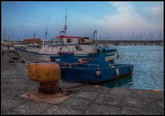 Tramonto al porto (Andrea Rapisarda) Tags: port geotagged boats raw olympus barche porto handheld sicily molo hdr catania sicilia notripod oly photomatix 3exp fourthird abigfave quattroterzi e620 rapis60 andrearapisarda olympuse620 geo:lat=37500244 geo:lon=15095118