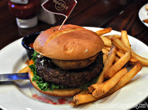 Red, White, & Blue Burger @ Hard Rock Niagara