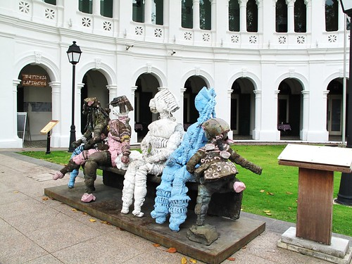 IMG_0466  Statues - Singapore Art Museum