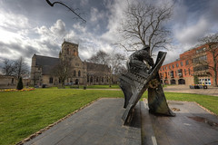 Fishermen's Memorial (Esther Seijmonsbergen) Tags: uk england sculpture art church memorial hdr stjames grimsby fishermensmemorial 5xp estherseijmonsbergen trevorharries