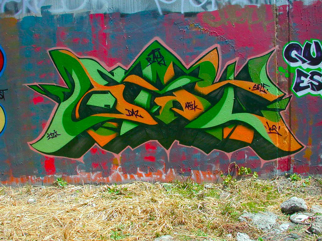 BAY, KS, Oakland, Graffiti, the yard