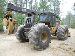 2007 CAT 545C with 5500 Hours for Sale 03 (Jesse Sewell) Tags: cat forsale forestry logging 360 caterpillar 525 winch 630 deere 660 grapple 545 620 catarpillar 560 tigercat 460 timberjack 848 catrpiller 648h singlearch 525b 360c 450c 560c 610c 660c 620c catrpillar 540h 640g 535b 460c 525c wwwskidderzonecom skidderzone 518c 540g dualarch 535c wwwjessesewellwordpresscom wwwyoutubecomuserskidderzone wwwflickrcomphotosskidderzone 545c 648g 748g 548g 548g2 548gii 540g2 540gii 540giii 548g3 540g3 640g2 640gii 640giii 640g3 640h 548h 748h 848h 848g3 848giii 848g2 648gii 630c 630d e620c