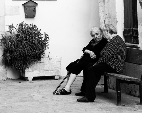 old ladies chattingBW