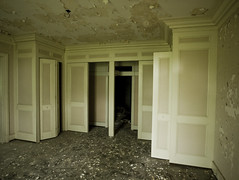 kept (helveticaneue) Tags: abandoned june beige closets doors decay pale storage mansion 2010 thymehouse moreclosets