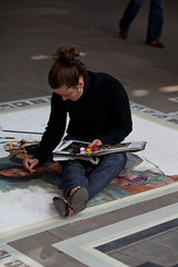 Emma McNally, Southbank (London) Artist (Craig Jewell Photography) Tags: london painting iso100 artist pavement davinci 85mm australia brisbane southbank replica painter cropped uktrip f32 ef85mmf18usm 1400sec canoneos5dmarkii emmamcnally 20100613024251mg4880cr2