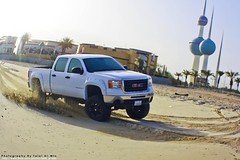 (Talal Al-Mtn) Tags: blue red shot automotive rover sierra hd kuwait gmc v8 offroading talal q8 454 kwt kuwaittowers الكويت liftkit 450d canon450d وانيت kuwaitcars lm10 inkuwait الجمس rallyinkuwait talalalmtn طلالالمتن gmcsierrahd talalalmtnphotography photographybytalalalmtn وانيتجمس gmcinkuwait وانيتجمسسييرا