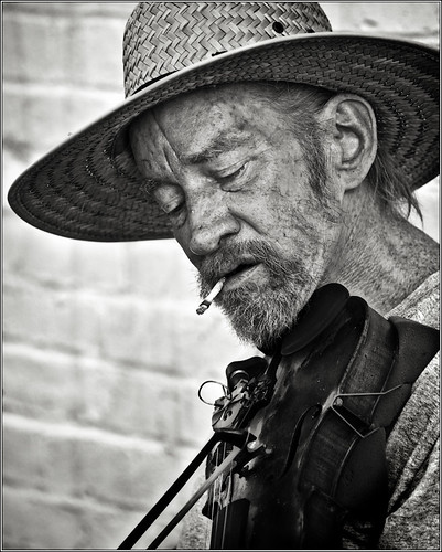 Busker 38 bw (by Silver Image)