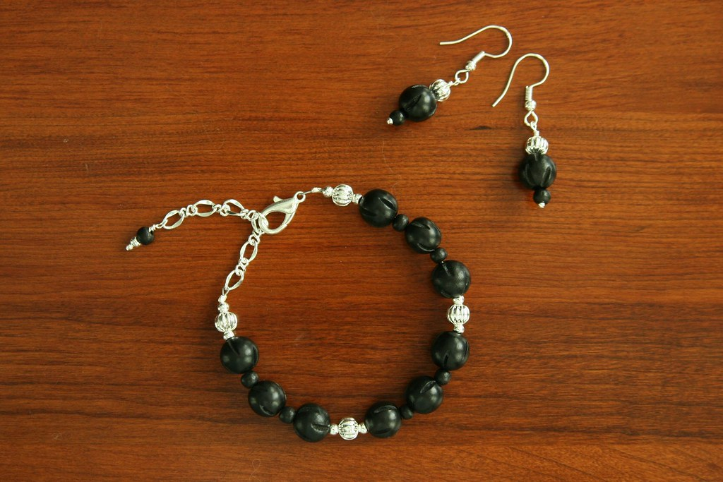 Black wood and silver bracelet and earrings