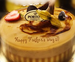 Happy Father's Day!! (Houry Photography -on/off) Tags: cake strawberry blackberry fathersday chocolatemousse portos canon50d houryphotography