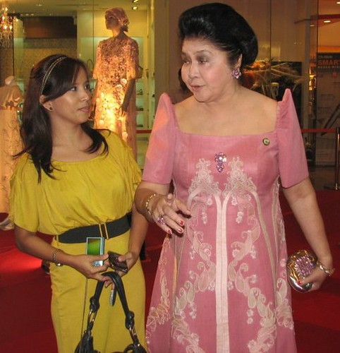 Filipiniana Terno Dress http://www.earthlingorgeous.com/2010/10/imelda-marcos-meets-earthlingorgeous.html