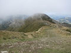 Monte Gomito (Appennino ToscoEmiliano) (Emanuele Lotti) Tags: italy mountain 3 trekking italia tuscany toscana tosco montagna sci emiliano 2010 appennino piste ottobre abetone escursionismo gomito cippo castiglioni valdiluce