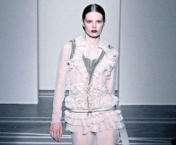 Givenchy SS2011 1