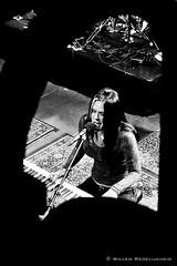 Beth Hart Live in Paradiso (Guillaume Raisonnable) Tags: blackandwhite bw amsterdam lumix concert europa zwartwit nederland panasonic guillaume paradiso willem noordholland zw bethhart raisonnable lx3 redelijkheid