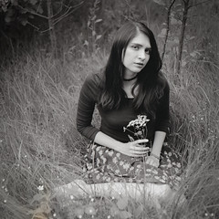 (Vakkor's Photostream) Tags: analog film moskva5 moskva5foldingcamera tmax100 selfdeveloped girl 6x6