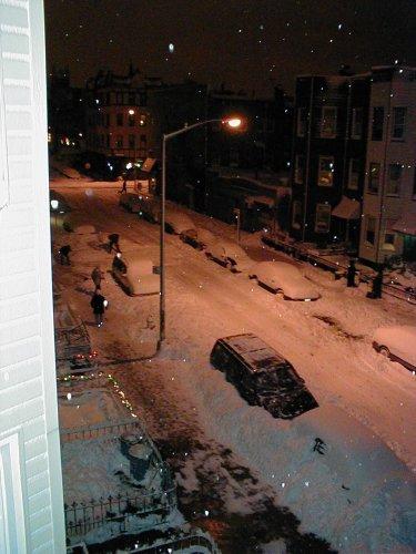 snow_streetlight_snowdrift_587464_l